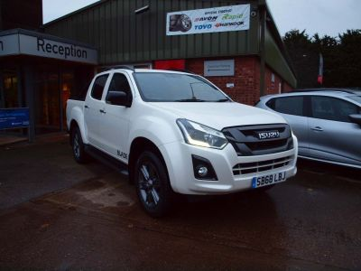 Isuzu D-max 1.9 Blade Double Cab 4x4 Auto Pick Up Diesel WHITE at F Troop & Son Ltd Leadenham